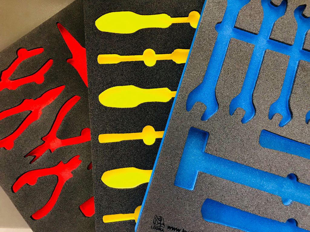 Vassoi termoformati in poliuretano espanso